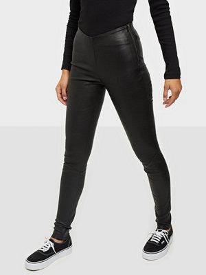 Y.a.s svarta byxor Yaszeba Stretch Leather Legging Noo