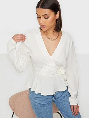 Skjortor - NLY Trend Wrap Me Pretty Blouse