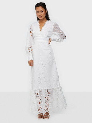True Decadence Long Sleeve Linen Lace Maxi Dress