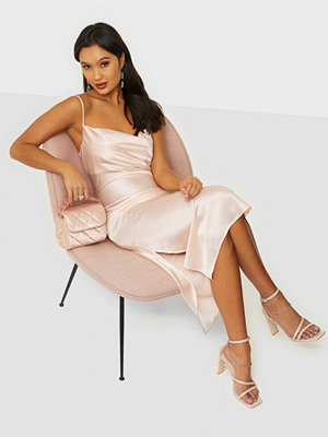 NLY Trend Satin Slip Dress