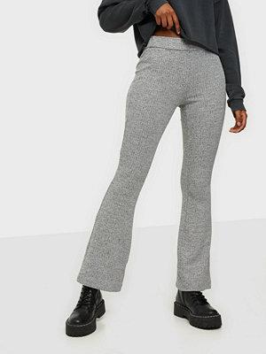 Vero Moda grå byxor Vmkamma Nw Flared Rib Jersey Pant C