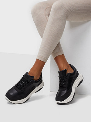Duffy Smooth Chunky Sneaker