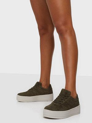 Duffy Faux Suede Platform Sneaker
