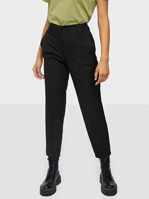 Selected Femme svarta byxor Slfria Mw Cropped Pant Black Noos