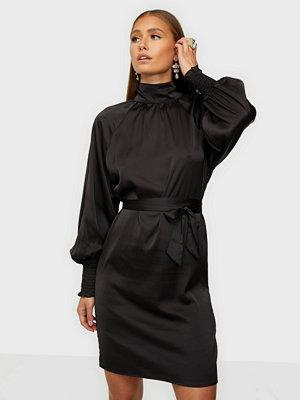 NLY Trend Satin Smock Dress