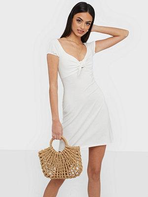 NLY Trend Tie Flirty Dress