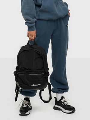 Adidas Originals svart väska PE MODERN BP