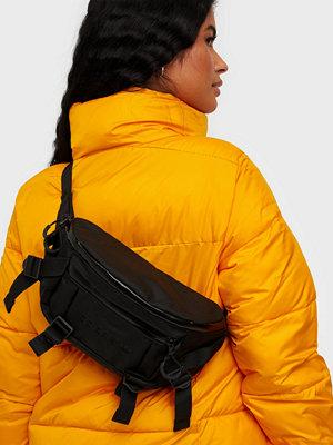 Adidas Originals svart väska ADVNTR WB L
