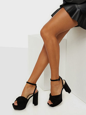 NLY Shoes A Little Bit Sassy Heel