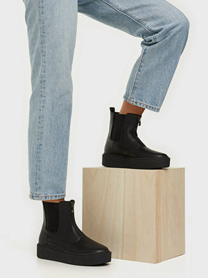 NLY Shoes Flat Chelsea Zip Boot