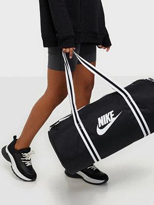 Nike svart väska NK HERITAGE DUFF