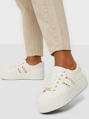 Steve Madden Escala Sneaker