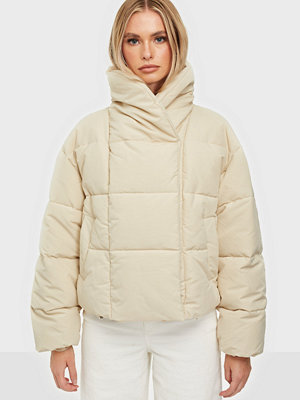 Pieces PCSAZEL SHORT PUFFER JACKET