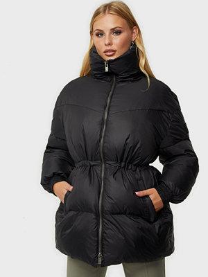 Svea Generous Hip Length Jacket