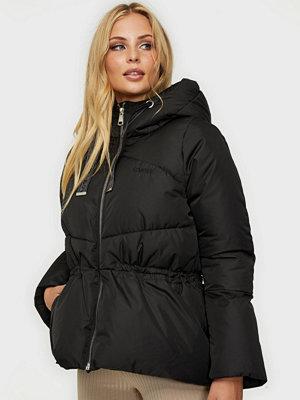Svea W. Waspy Jacket