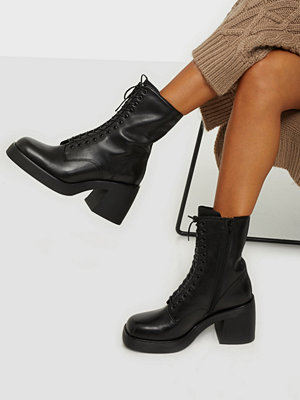 Vagabond Brooke Chunky Laced Boots
