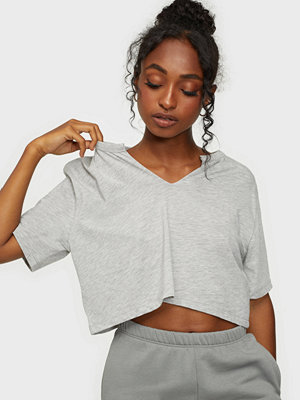 NLY Trend Basic V Cut Tee