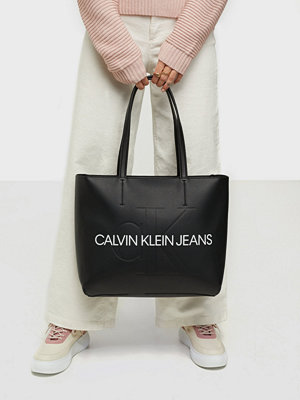 Calvin Klein svart väska SHOPPER 29