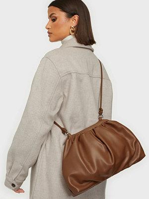 Object Collectors Item brun väska OBJBELLA PU BIG CROSSOVER CLUTCH 11