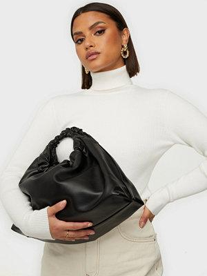 Pieces svart väska PCSELIDA SHOPPER