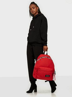 Eastpak röd väska Padded Pak'R