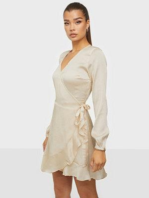 Neo Noir Apollo Solid Dress