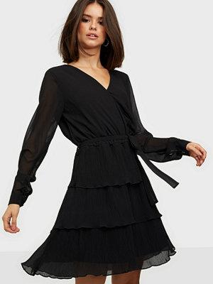 Sisters Point Nekko Dress