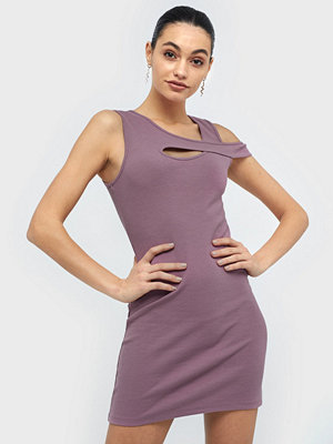 NLY Trend One Side Cut Dress