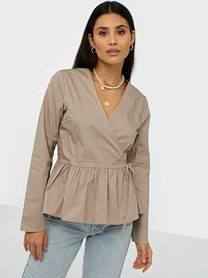 NLY Trend Wrap Cargo Blouse