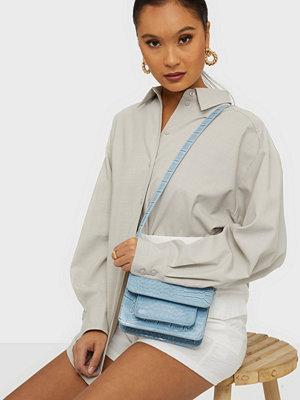 hvisk himmelsblå väska Cayman Mini