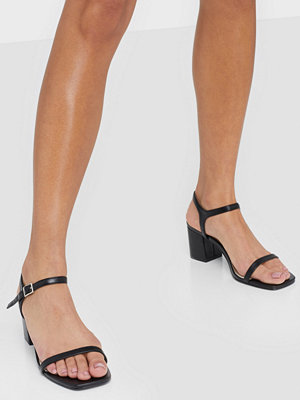 NLY Shoes Square Block Heel Sandal