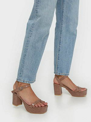 NLY Shoes Squared Toe Platform Heel