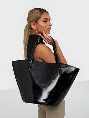 NLY Accessories svart väska Shaped Shopper Bag