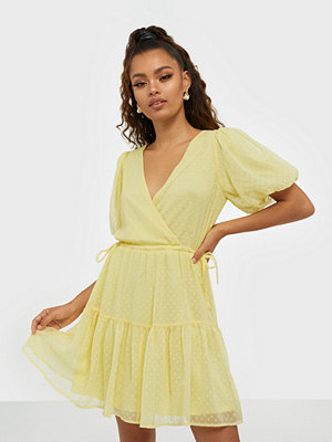 NLY Trend Puff Dobby Dress