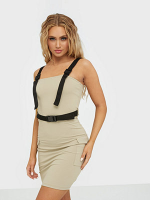 NLY Trend Utility Buckle Dress
