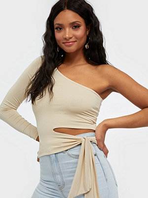 NLY Trend Tie Side Top