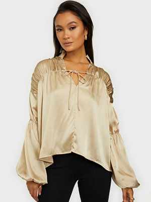 NLY Trend Ruche Satin Blouse