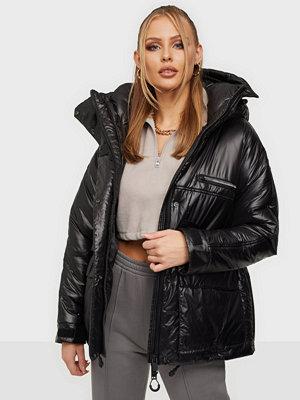 KRAKATAU Removable Hood Padded Jacket