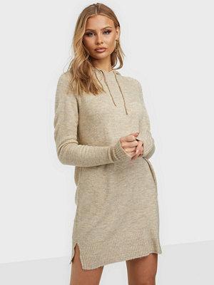 Jacqueline de Yong JDYANNE L/S HOOD DRESS KNT