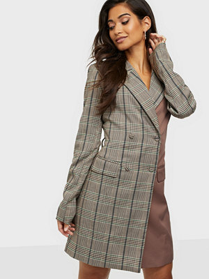 Missguided Buckle Belted Blazer Dress