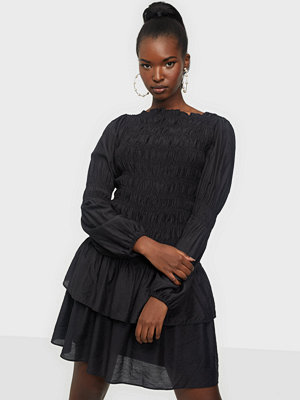 Neo Noir Briselle Smock Dress