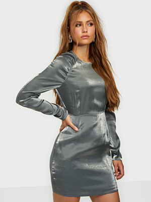 Festklänningar - NLY Trend Shiny Puffy Sleeve Dress