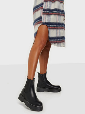 Duffy Chunky Chelsea Boots