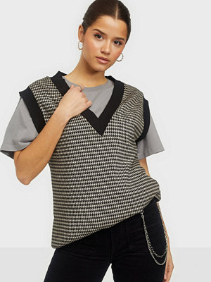 NLY Trend Check It Out Vest