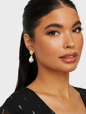 Bow19 smycke Sue Pearl Earrings