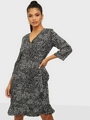 Vero Moda VMHENNA 3/4 WRAP DRESS EXP GA