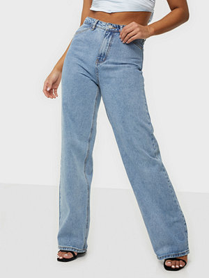 Missguided Parallel Leg Highwaisted Jeans