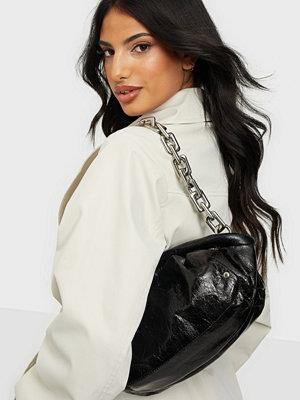 NuNoo svart väska Lin cool