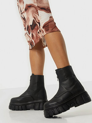 NLY Shoes Massive Biker Zip Boot