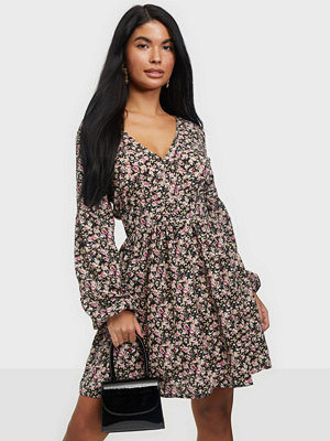 Missguided Floral V Neck Skater Dress